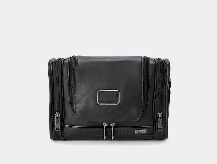 bcdce3dc4ebb Bagages à main. Sacs de voyage. Accessoires